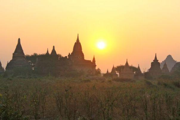 Widok Bagan, który nigdy mi się nie znudzi. Fot. Życie w tropikach