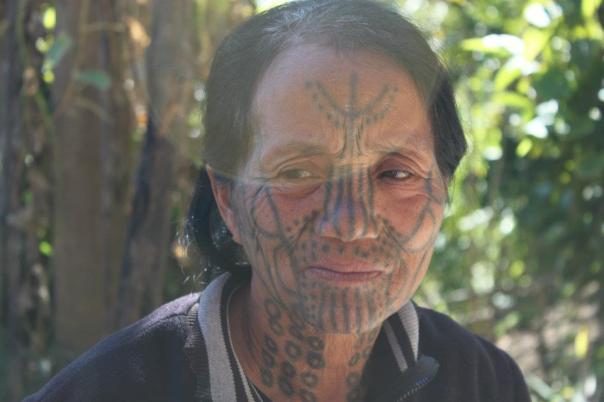 Jeszcze jedna kobieta ze stanu Chin. Fot.: Hla Maung (Lama)